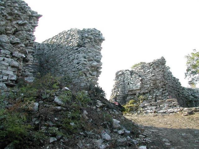 """Средневековая крепость""""Лютица"""""""